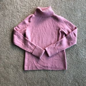 Pink cashmere turtleneck sweater 🌸